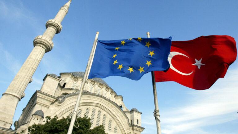 EU and Turkish flags 1